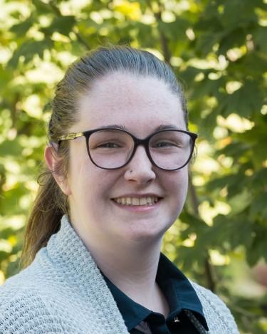 Emerging Curator Maggie DeFranco (class of 2019)