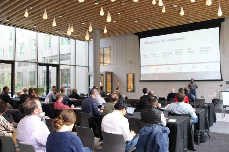 CoMotion DubPitch offers UW startups and project teams the opportunity to pitch their ideas to potential investors.