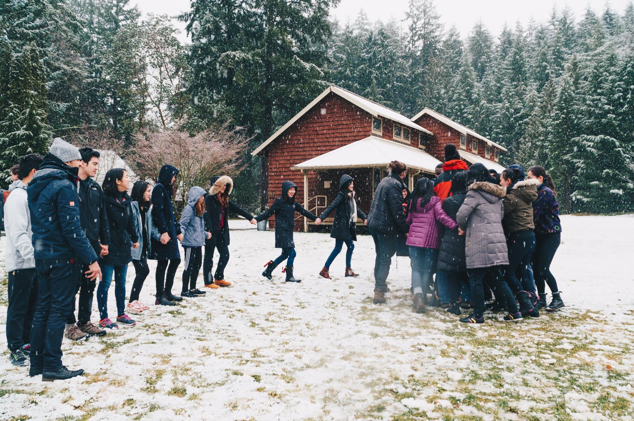 Bonding activities at the retreat to Pack Forest in Winter 2017. Photo credit: Rachel Su.