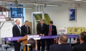 Left to right: UW President Michael K. Young, Boeing Commercial Airplanes President and CEO Ray Conner, Gov. Jay Inslee and UW College of Engineering Dean Michael Bragg at the ribbon cutting.