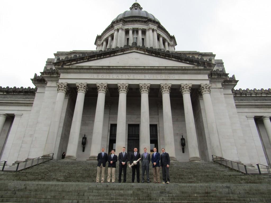 UW Rowing at state legislature