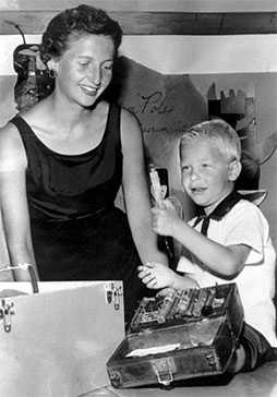 Photograph of Mary Gates and son William Gates III