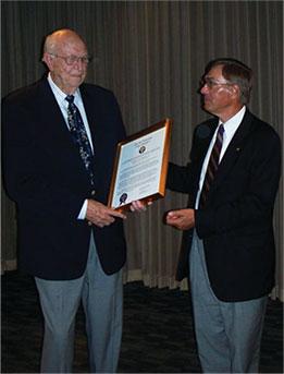 Photograph of Bill Gates Sr receiving Chi Psi Fraternity's Albert S. Bard Award
