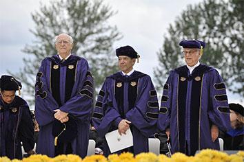 Photograph of Alumnus Summa Laude Dignatus honorees