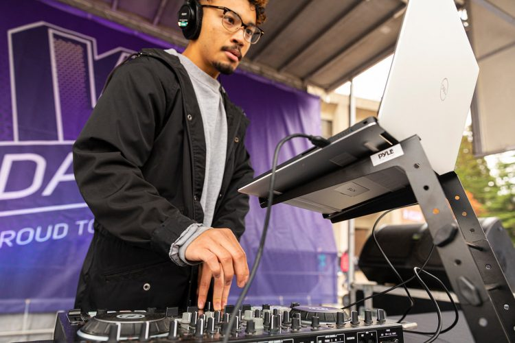 The UW celebrates W Day 2019 with food, games, and free Husky wear in Red Square.