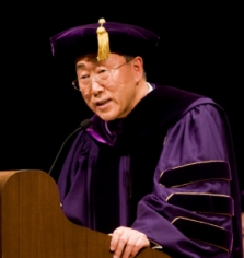 Ban Ki-moon receiving his honorary Doctor of Laws degree