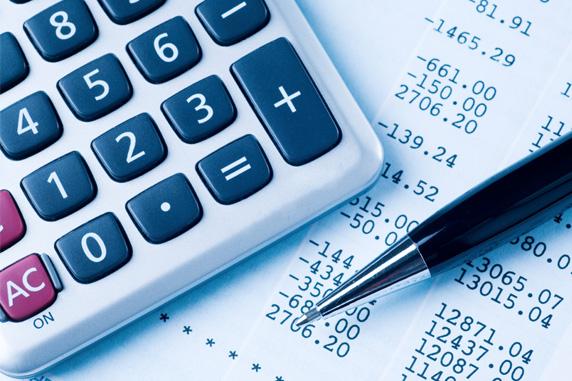 calculator, pen, receipt