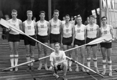 '36 boys on apron w W jerseys