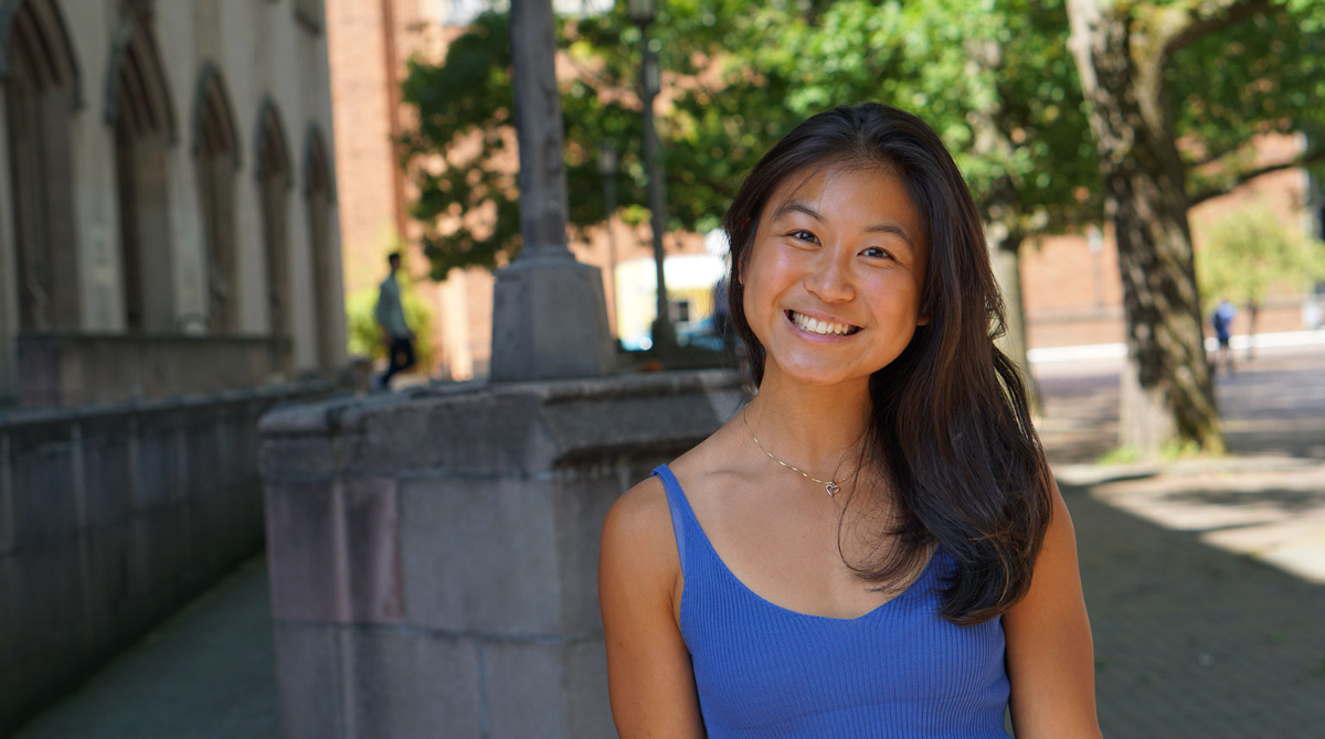 A photo of Ivory Loh, Peer Nutritionist, smiling into the camera