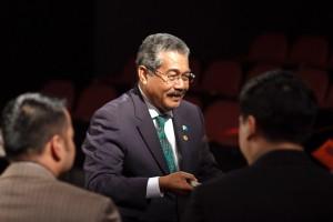 Palau President Johnson Toribiong Visits UW
