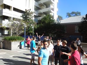 Touring_the_UNI_campus