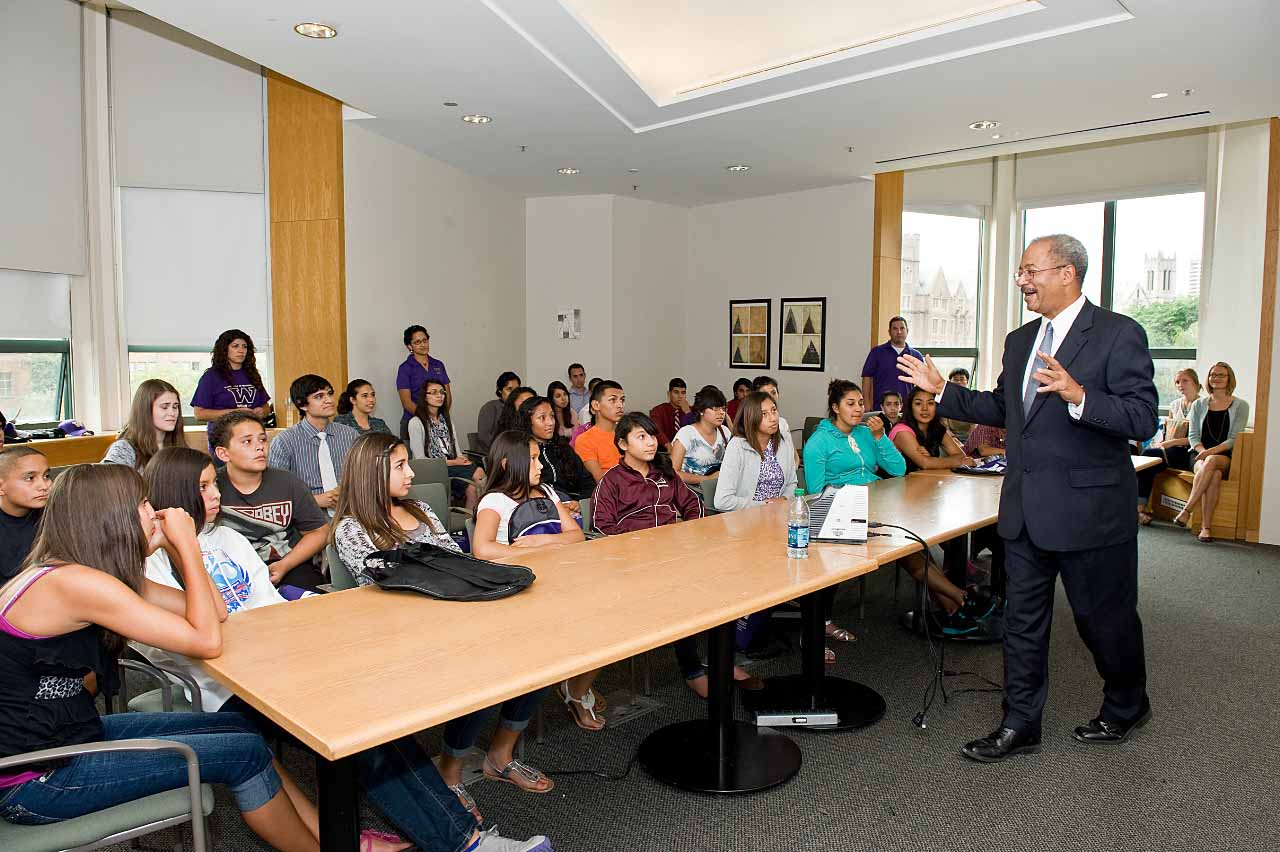 Congressman Chaka Fattah addresses GEAR UP students and staff.