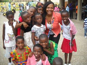 Courtney_with_kids