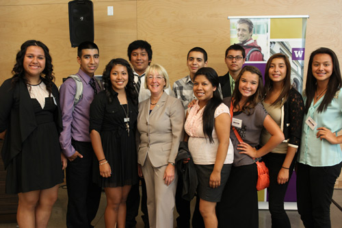 Senator Murray with UW GEAR UP students from Eastern Washington.