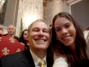 "Graciela Nuñez snaps a ""selfie"" with Governor Inslee."
