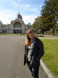 Anna Pendleton posing in front of the Melbourne Museum events center