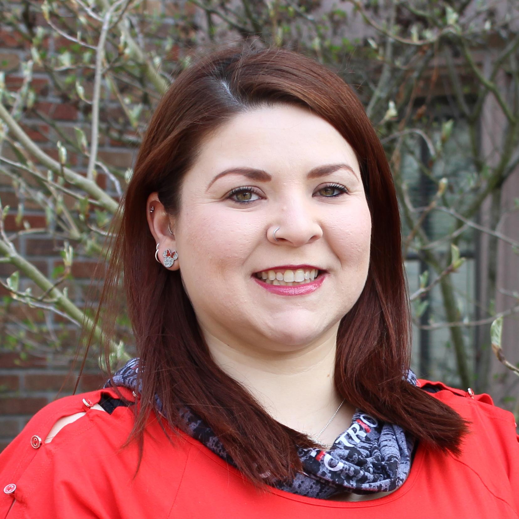 Headshot of Nicole DeLeon