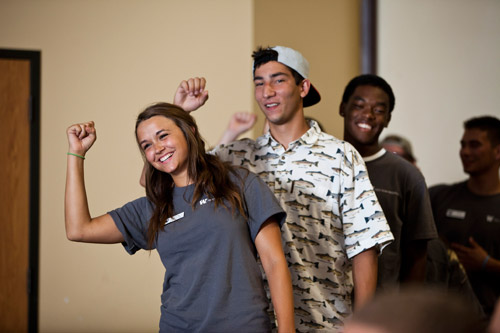 Freshman orientation leaders welcome new students