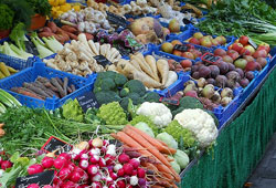 Diets emphasizing vegetables and fruits can be costly for consumers.