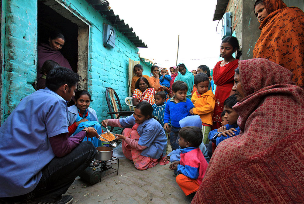 Cooking classes are intended to teach slum dwellers how to cook inexpensive, nutritious meals.