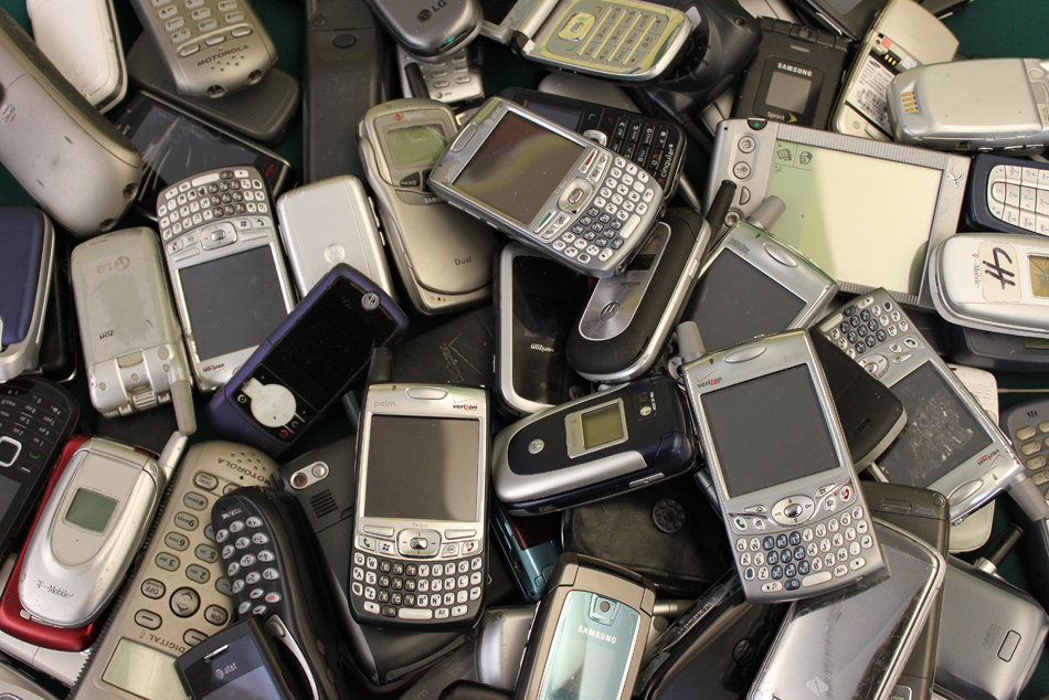 "EU ""Right to Repair"" Plan Tackles Source of E-Waste"