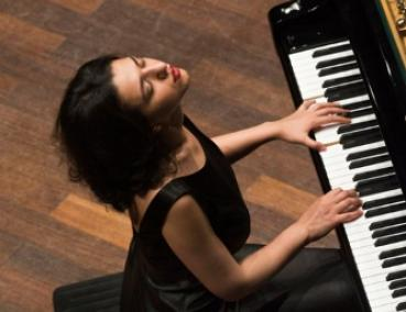 pianist Khatia Buniatishvili to perform at Meany Hall