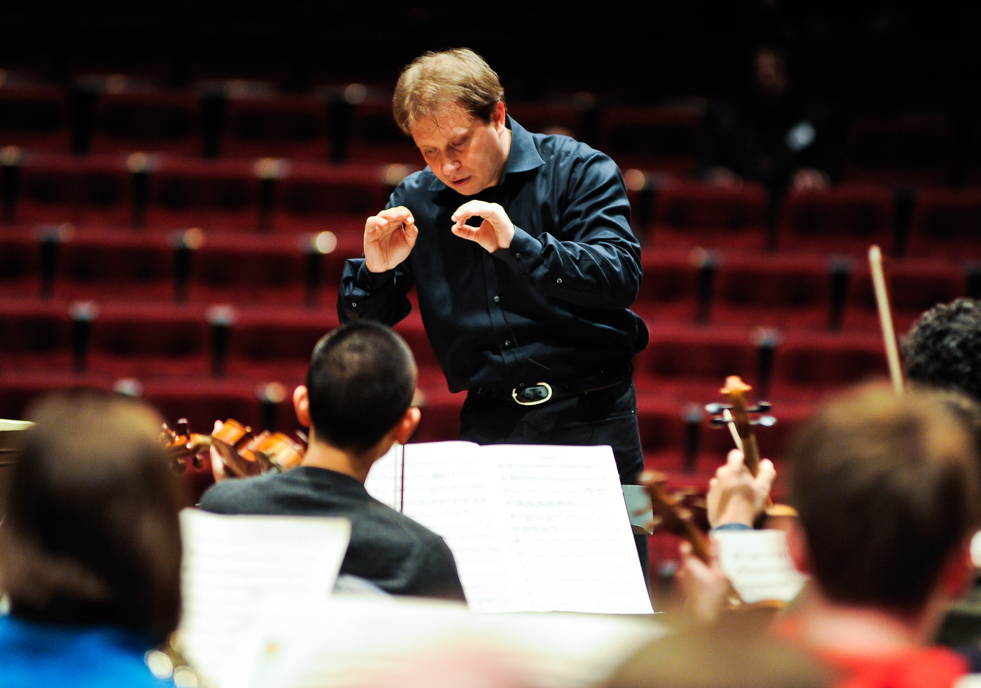 Ludovic Morlot rehearses with the University Symphony.