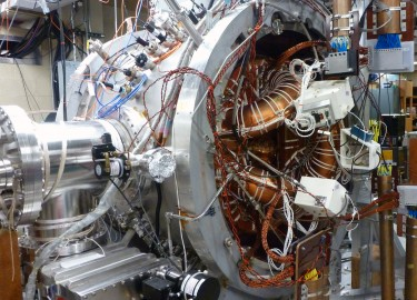 The UW fusion reactor concept.