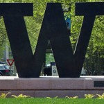 A sculpture of the University of Washington W logo