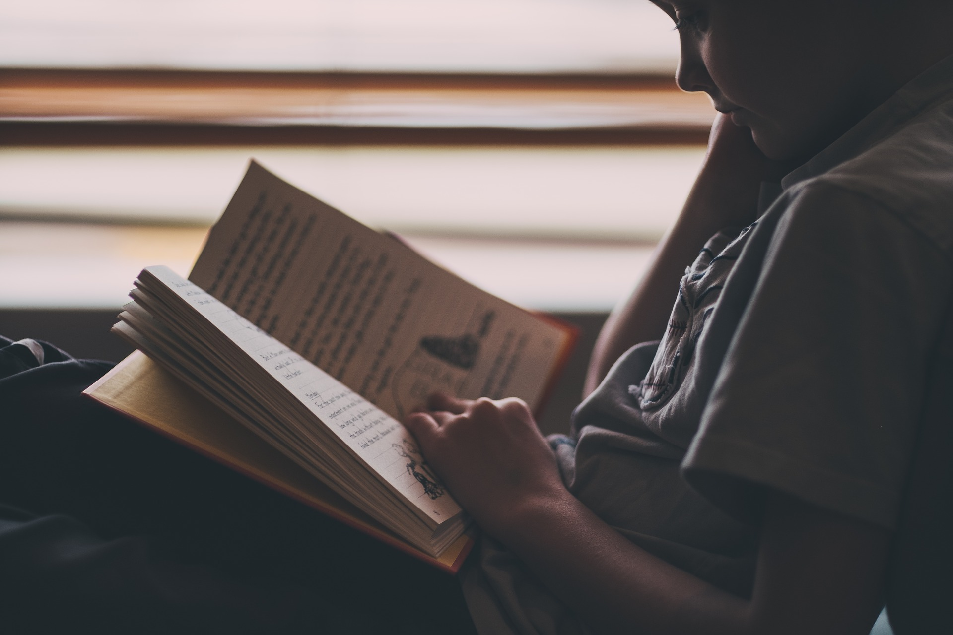 A study from the University of Washington found that when children with reading difficulties underwent an intensive tutoring program, their brains' white matter strengthened, and their reading skills improved.