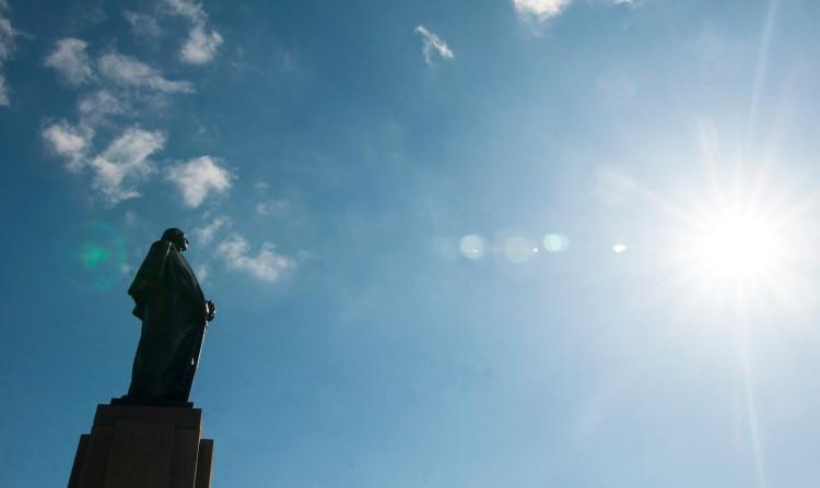 Statue_sun1