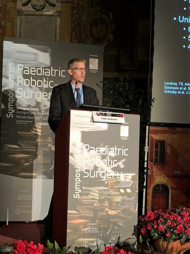 Dr. Thomas Lendvay speaking at the 2017 Symposium on Pediatric Robotic Surgery