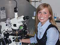 Lauren Hanson in lab