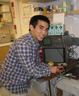 Daniel Kashima in lab