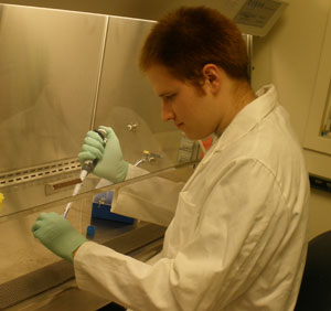Christopher Mount in lab
