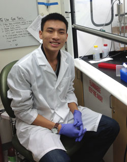 Eric Do in lab