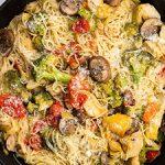 Pan full of pasta primavera