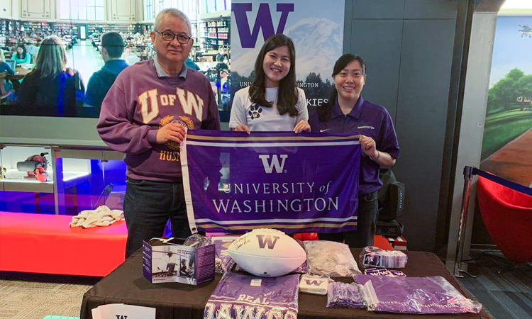 Indonesia Huskies at the UW table