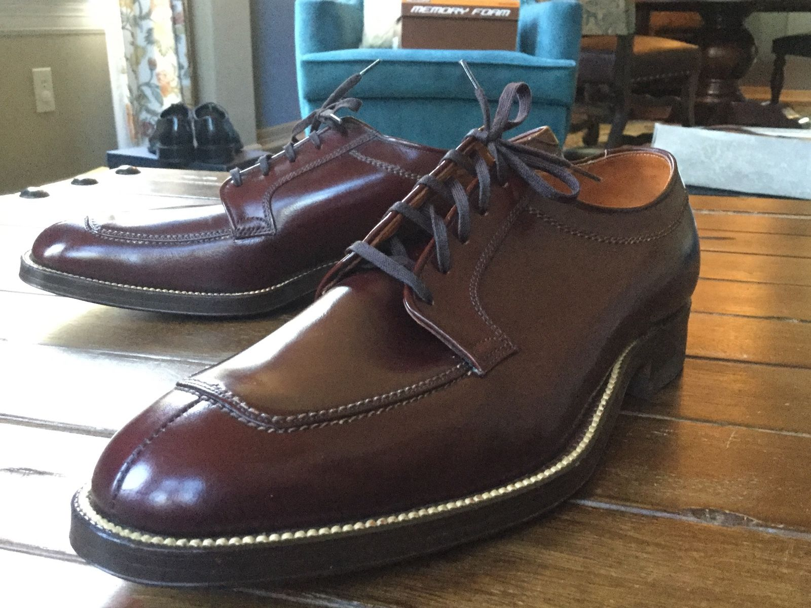 Freeman Split toe oxfords