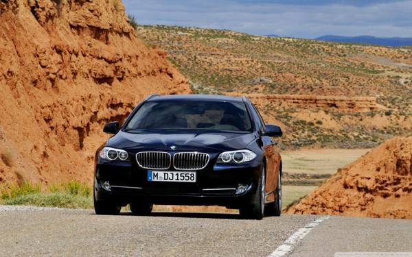 BMW utiliza el bloqueo remoto para atrapar al ladrón dentro del vehículo robado
