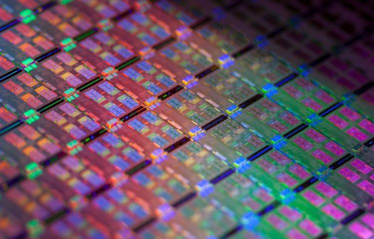 La octava generación de procesadores Intel seguirá en 14 nanómetros