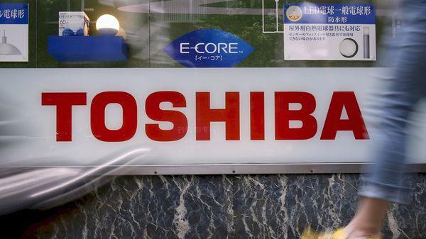 Toshiba al borde de la quiebra: renunció el presidente en medio de pérdidas multimillonarias