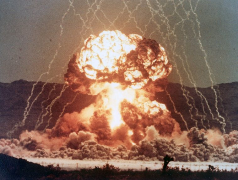 Desclasifican películas sobre pruebas nucleares en los Estados Unidos