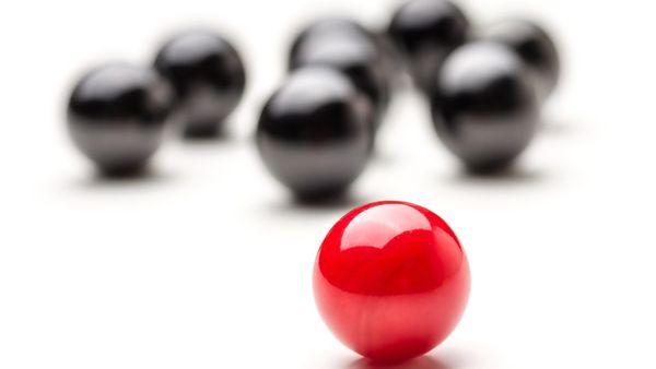 El increíble objeto que desafía la física: va para el lado contrario al que se lo empuja