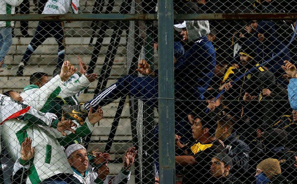 Las fotos de la brutal pelea entre Peñarol y Palmeiras en la Copa Libertadores