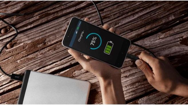 ¿Cómo funciona la carga rápida de tu smartphone?