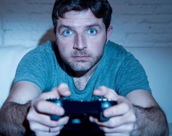 Jugar demasiados juegos de disparos podría dañar tu cerebro