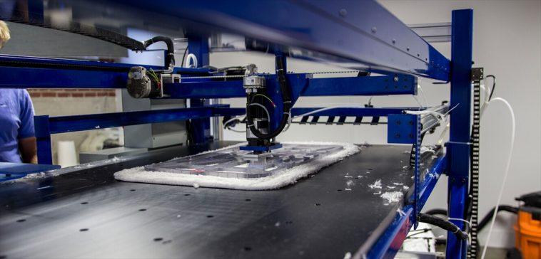 Robots textiles fabricarán 800.000 camisetas diarias para Adidas
