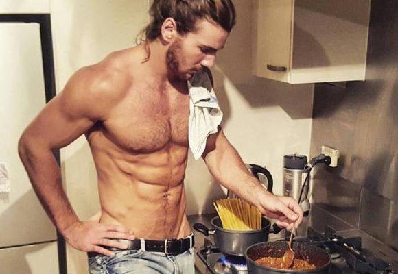 Chicos con barba y que sepan cocinar, los hashtags más buscados del año