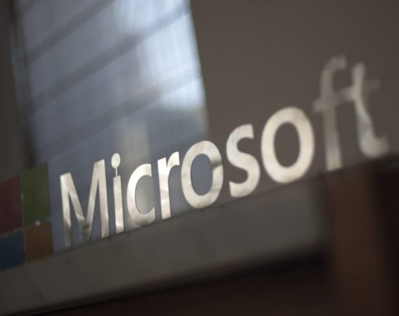 Microsoft demanda a «usuarios» por piratear Windows